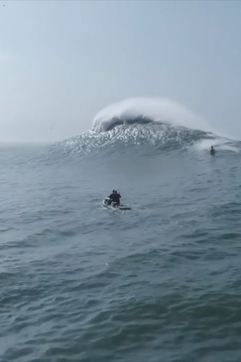 Red Bull | Alex Laurel | Maquina Voadora | Nazare, Portugal 📲Visit nobodsurf.com for Full Edit & More Info #NobodySurf #surfing