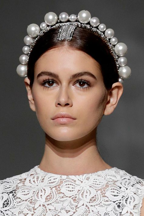 Pearls for the girls🦢 Jumbo pearl encrusted headbands at couture angelically modeled by 👼🏼
