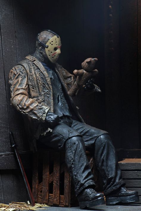 "FRIDAY THE 13TH: Freddy vs Jason – 7"" Scale Action Figure – Ultimate Jason"