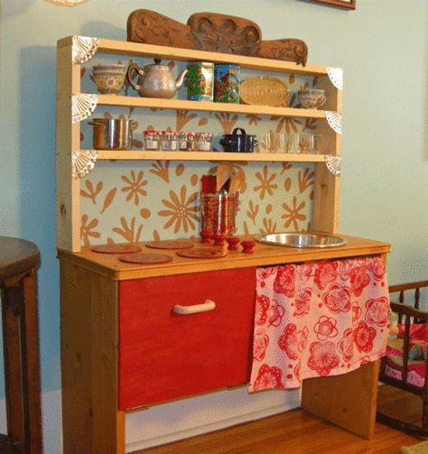 Retro DIY play kitchen