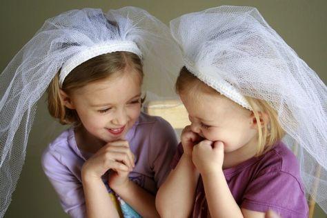 Dress up wedding veil - perfect for my DD's wedding dress Halloween costume!