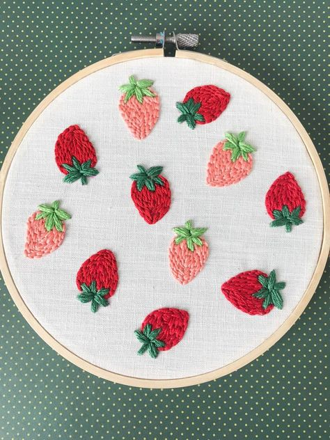 Embroidery Stitches Tutorial, Embroidery Flowers Pattern, Hand Embroidery Stitches, Modern Embroidery, Embroidery Hoop Art, Hand Embroidery Designs, Vintage Embroidery, Embroidery Ideas, Diy Easy Embroidery