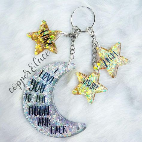 Shoot to the moon and carry a symbol of your love for the people in your life. This made to order custom set is stunning. Diy Resin Art, Epoxy Resin Art, Diy Resin Crafts, Diy Resin Keychain, Acrylic Keychains, Keychain Design, Keychain Ideas, Duct Tape Crafts, Washi Tape