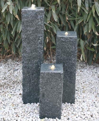 Wasserspiel Grosspalisaden Granit Dunkelgrau Garten Wasserspiel Garten Gartenbrunnen