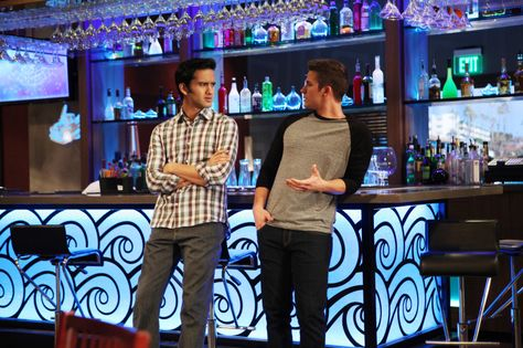 """90210 -- """" The Empire State Strikes Back"""" -- Image: NO519a_0184 -- Pictured (L-R): Michael Steger as Navid and Matt Lanter as Liam -- Photo: Scott Humbert/The CW -- © 2013 The CW Network. All Rights Reserved"""