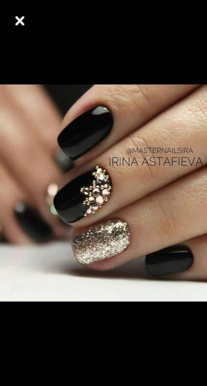 Nails New Years Christmas Black Gold 59 New Ideas New Years Nail Designs New Year S Nails Gold Nails