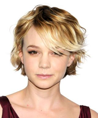 For a gamine look, keep your bangs and top layers long and sweetly tousled, like Carey Mulligan did in 2010. So chic.