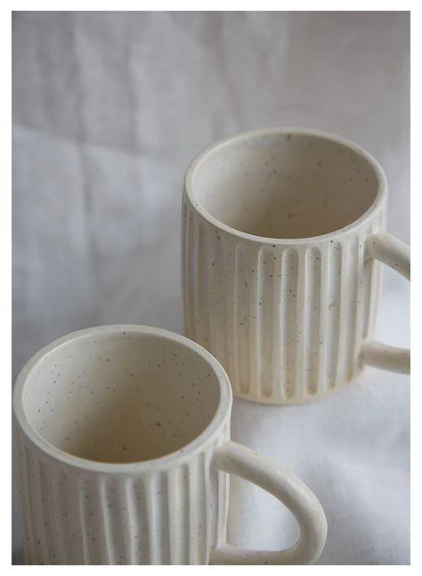 Raku Pottery, Pottery Pots, Slab Pottery, Ceramics Pottery Mugs, Pottery Houses, Ceramics Ideas, Pottery Videos, Wheel Thrown Pottery, Pottery Designs