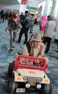 Great Cosplay Clever girl...