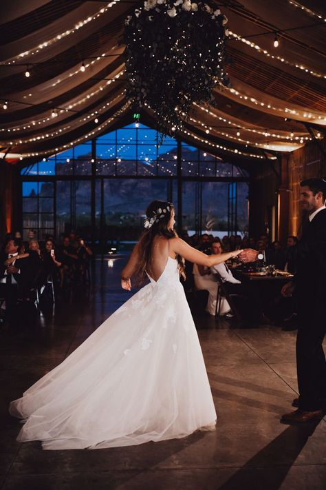 Rustic Antique Arizona Wedding at The Paseo Junebug Weddings Rustic Antique Arizona Wedding at The Paseo Junebug WeddingsHochzeit The couple shares their first dance at this rusticinspired reception Image by Alayna. Wedding Goals, Wedding Blog, Wedding Planning, Wedding Day, Wedding Hacks, Wedding Rustic, Diy Wedding, Wedding Rings, Wedding First Dance