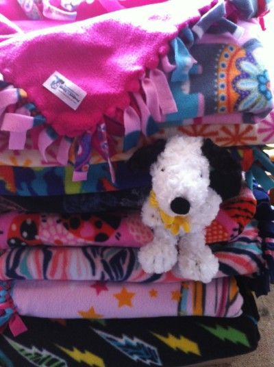 No Sew Fleece Blankets To Make For Animal Shelters Use Your Craft