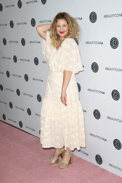 Drew Barrymore attends the Beautycon Festival LA 2018 at the Los Angeles Convention Center.