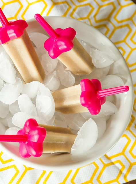 Banana Popsicles - recipe only used four simple ingredients. #summer #desserts