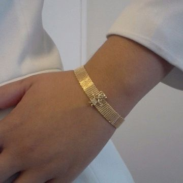 Can Vinegar Clean Gold Jewelry