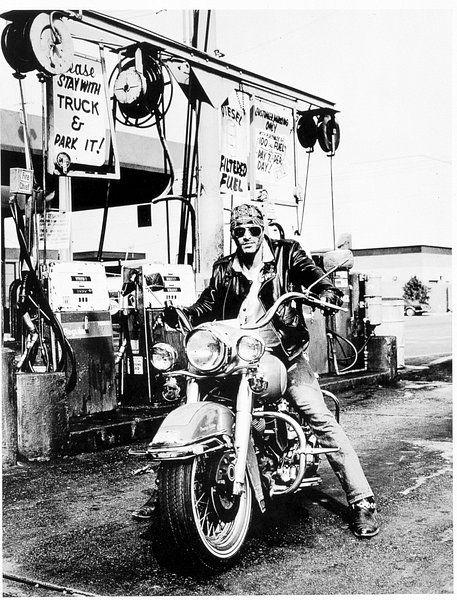 Route66 Fuel Pump Harley Davidson Van Harley Davidson In 2019 Products Harley Davidson Artwork Prints