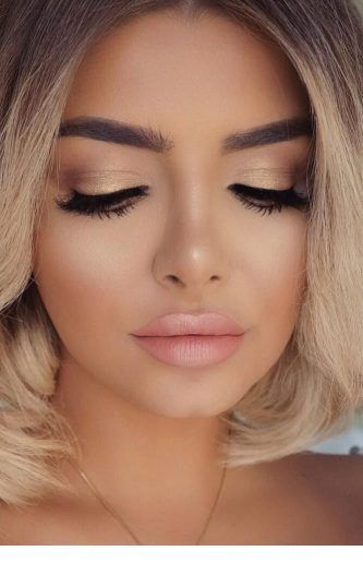 Cute Blonde Short Hair And A Soft Makeup Wedding Guest Makeup Amazing Wedding Makeup Wedding Makeup Tips