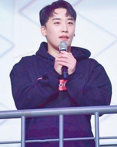 "Call me Stacy✌🏻💋 on Instagram: ""My angel 👼🏻 🙏🏻 . #seungriyouhaveus #apologizetoseungri #westandbyseungri #SeungRiDeservesBetter #weloveyouseungri #bigbangis5forever…"""
