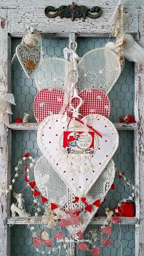 Valentine's Day hearts, wire hearts, red and white decor, shabby chic Valentine Wreath, Valentines Day Hearts, Valentine Day Love, Vintage Valentines, Valentine Day Crafts, Valentine Decorations, Shabby Chic Crafts, Shabby Chic Homes, Shabby Chic Decor