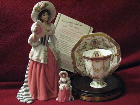 1994 Mrs. Albee Figurine & Mini-Albee Figurine & Tea Cup and Saucer