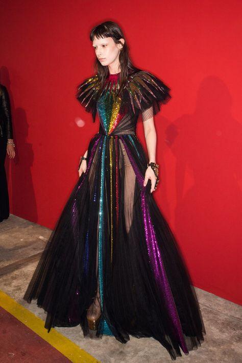 Gucci Spring 2017 Ready-to-Wear Fashion Show - Gucci Spring - Ideas of Gucci Spring. - Gucci Spring 2017 Ready-to-Wear