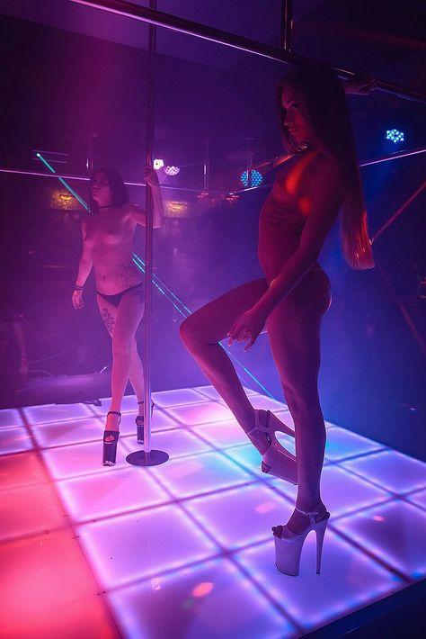 Приватный стриптиз танец видео