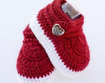 Ganchillo zapatillas botines recién nacidos por DaisyNeedleWorks