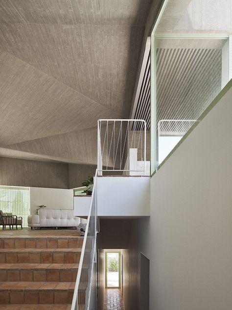 Gallery of Baladrar House / Langarita Navarro Arquitectos - 14