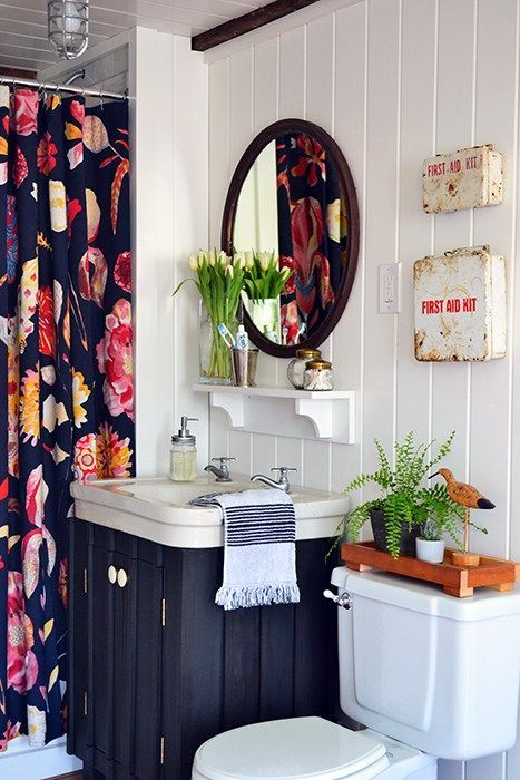 Reversible Ideas To Overhaul Your Rental Bathroom Now Rental Bathroom Apartment Therapy And Therapy