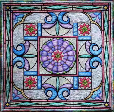 Shades of Tiffany by Irena Bluhm, quilted by Diane Tomball | Cabin Quilter
