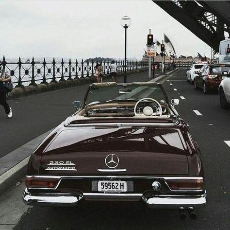 Mercedes Benz – One Stop Classic Car News & Tips Mercedes Auto, Mercedes Classic Cars, Bmw Classic Cars, Mercedes 230, Cars Vintage, Retro Cars, Vintage Classic Cars, Pagani Zonda, Koenigsegg