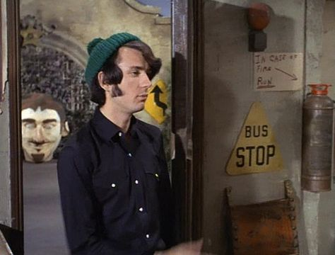 Someone please tell me what is the giant head we can see outside the Monkees' front door?