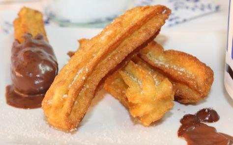 A partir de ahora, nunca más vas a tirar las sobras de patatas cocidas o de puré de patata. Te enseño como hacer unos churros de patata.