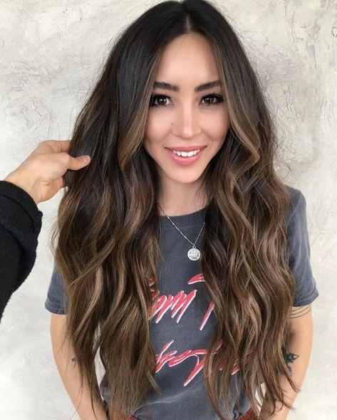 Brown Hair Balayage, Balayage Brunette, Brunette Hair, Black Hair With Highlights, Hair Highlights, Black To Brown Ombre Hair, Chunky Highlights, Caramel Highlights, Long Dark Hair