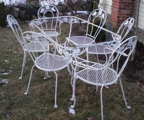 1960s Patio Table and Chairs Retro Outdoor Furniture Picture ...