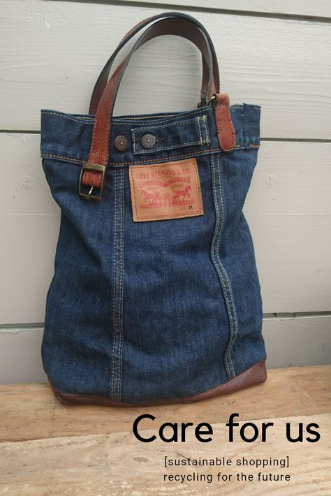 This bag has a history of being a Levis jacket my son wore in a bad car accident, he made it home but his clothes got cut into pieces. A piece of miracle as a bag. Reusing scraps and pieces for the care of our planet Find me on my etsyshop - careforus Diy Jeans, Recycle Jeans, Blue Jean Purses, Denim Purse, Denim Ideas, Denim Crafts, Recycled Denim, Purses And Bags, Levis Jacket