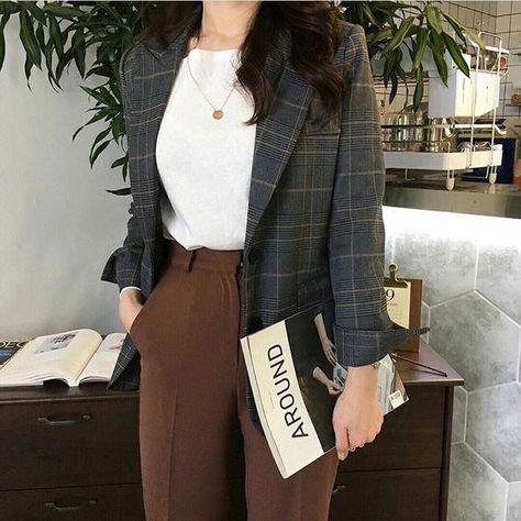 30 best sophisticated work attire and office outfits for women to look stylish a. - 30 best sophisticated work attire and office outfits for women to look stylish and chic 7 Source by marilynetran - Office Outfits Women, Mode Outfits, Korean Outfits, Fashion Outfits, Korean Ootd, Fashion Shirts, Fashion Ideas, Fashion Quotes, Work Attire Women