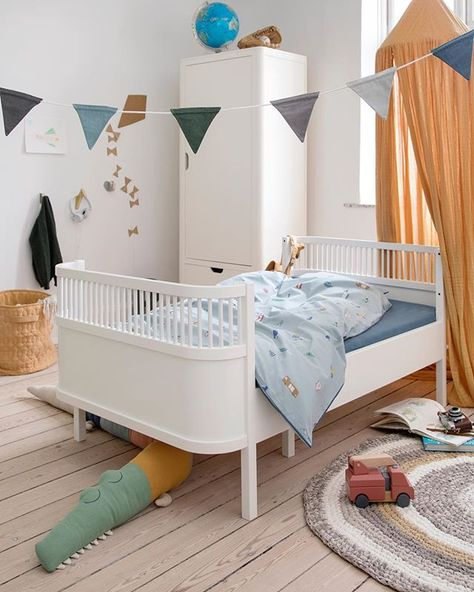 The Modern Nursery Themodernnursery Instagram Snimki I Videoklipove Lit Bebe Decoration Chambre Bebe Chambre Bebe