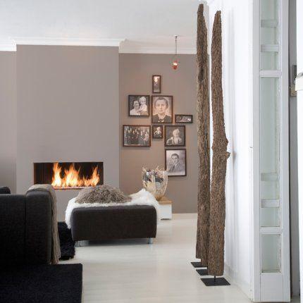 modernes wohnzimmer wandfarbe taupe parkettboden interior design