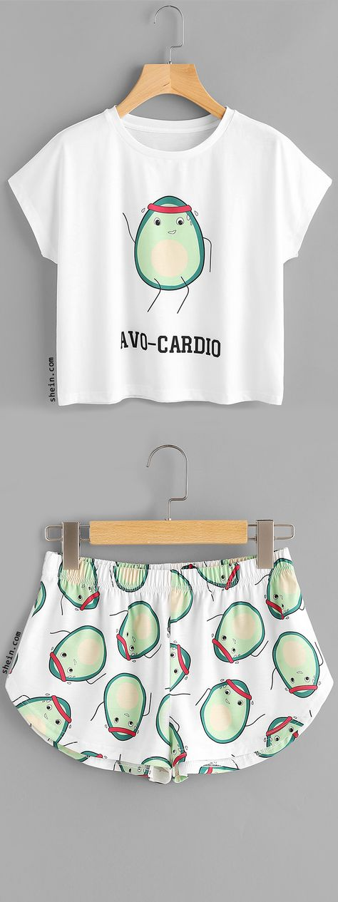 Cartoon Avocado Print Tee And Shorts Set I know this isn't a dress, but I thought it was funny! Cute Pajama Sets, Cute Pjs, Cute Pajamas, Cute Lazy Outfits, Outfits For Teens, Cool Outfits, Fashion Outfits, Pyjamas, One Direction Shirts
