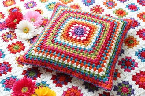 Beautiful rainbow color pillow case made with love to warm up your home. Crocheted front side, back side made from textile and having zip lock. Add more colors to your home with this cushion, create your personal set of pillow covers by using personalisation. This handmade bohoslyle cushion made in