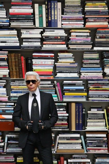 Karl Lagerfeld in his personal library  #GISSLER #interiordesign