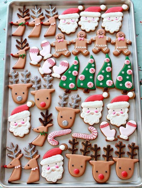 (Video) How to Decorate Christmas Cookies Simple Designs for Beginners Video Re. (Video) How to Decorate Christmas Cookies Simple Designs for Beginners Video Rezept Cute Christmas Cookies, Easy Christmas Cookie Recipes, Christmas Desserts, Christmas Treats, Christmas Baking, Christmas Decorations, Cookie Recipes For Kids, Reindeer Cookies, Tree Cookies