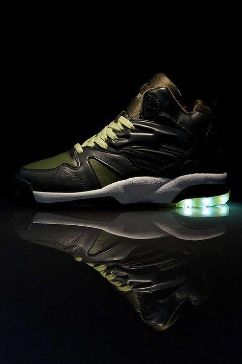 LA Gear Tech Lighted Sneaker | fly kicks | Sneakers, Urban