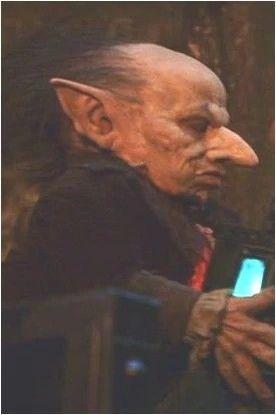 Griphook Ein Gringotts Mitarbeiter Kobold Harry Potter Harry Potter Movies Character Art Harry Potter