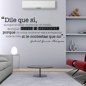 Vinilo Decorativo Frase Gabriel García Márquez  #viniloscasa #vinilosdecorativos #pegatinas #adhesivos #decoracioninteriores #pegatinasparedes #decoracionparedes #decorarparedes #home #followme #follow #casas #sticker #stickers #latiendadelaspegatinas  #phrases #frases #frasesmotivadoras #frasesmotivacion #quotes