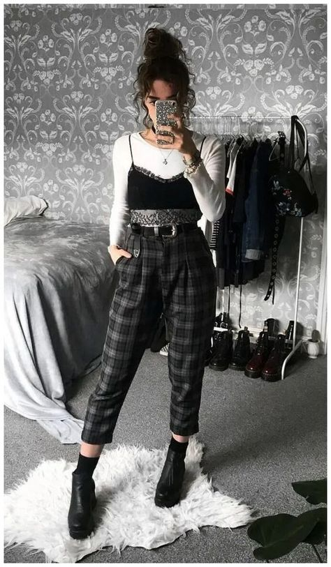 20+ Stunning Edgy Outfits For Teens You Need To Try ASAP | The Chic Pursuit