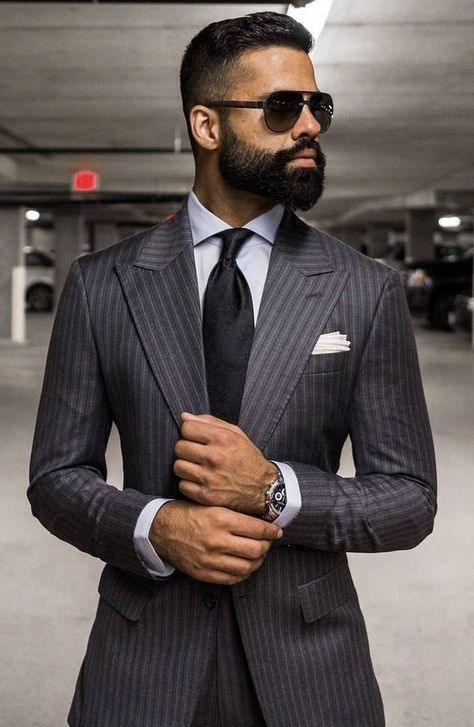 - with a charcoal gray pinstripe suit black silk tie white button up shirt silver watch white pocket square Mens Fashion Blog, Mens Fashion Suits, Mens Suits, Fashion Sites, Costume Vert, Mode Costume, Gentleman Mode, Gentleman Style, Gentleman Fashion