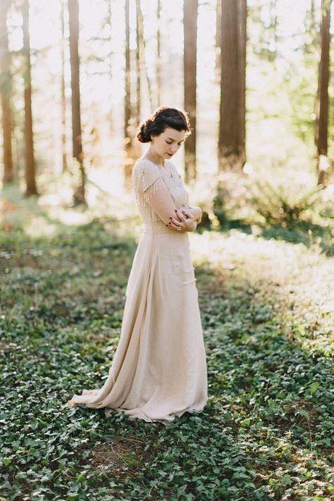 A vintage inspired bride for her Portland Elopement