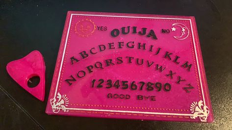 Who says the #darksiders cant come in #pink Well make no mistake, though this board maybe pretty it can hold its own. #strong #ouija #prettyinpink #psychic #medium #deviantdesignbydj #tarotreading #witch #pagan #huffandpuff