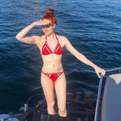Barbara Meier Zeigt Ihren Sixpack Im Bikini Schone Rote Haare Barbara Meier Rotschopfe